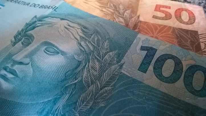 bank notes banknotes bills brazilian currency