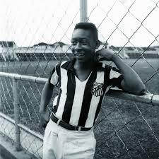 """Pelé on Twitter: """"Sessenta anos atrás, em 07 de setembro, eu marquei o  primeiro gol da minha carreira como um jogador profissional.… """""""
